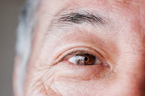 Eye exam image